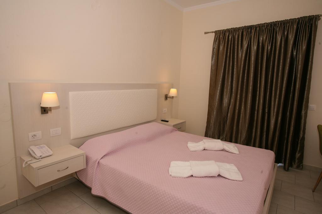 Saint George Palace Hotel room 4
